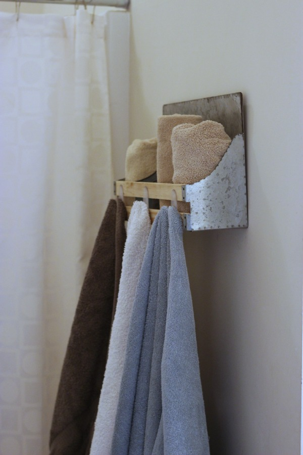 No-Tools required towel holder DIY Tutorial Command 3M