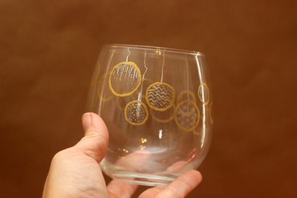 how to paint wine glasses, simple christmas party ideas